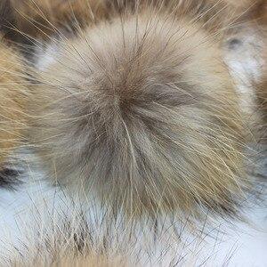 Image 4 - Boules de fourrure de raton laveur, véritable fourrure de raton laveur, pour les bonnets tricotés, porte clés et écharpes, vente en gros de 50 pièces/lot, 13 14cm