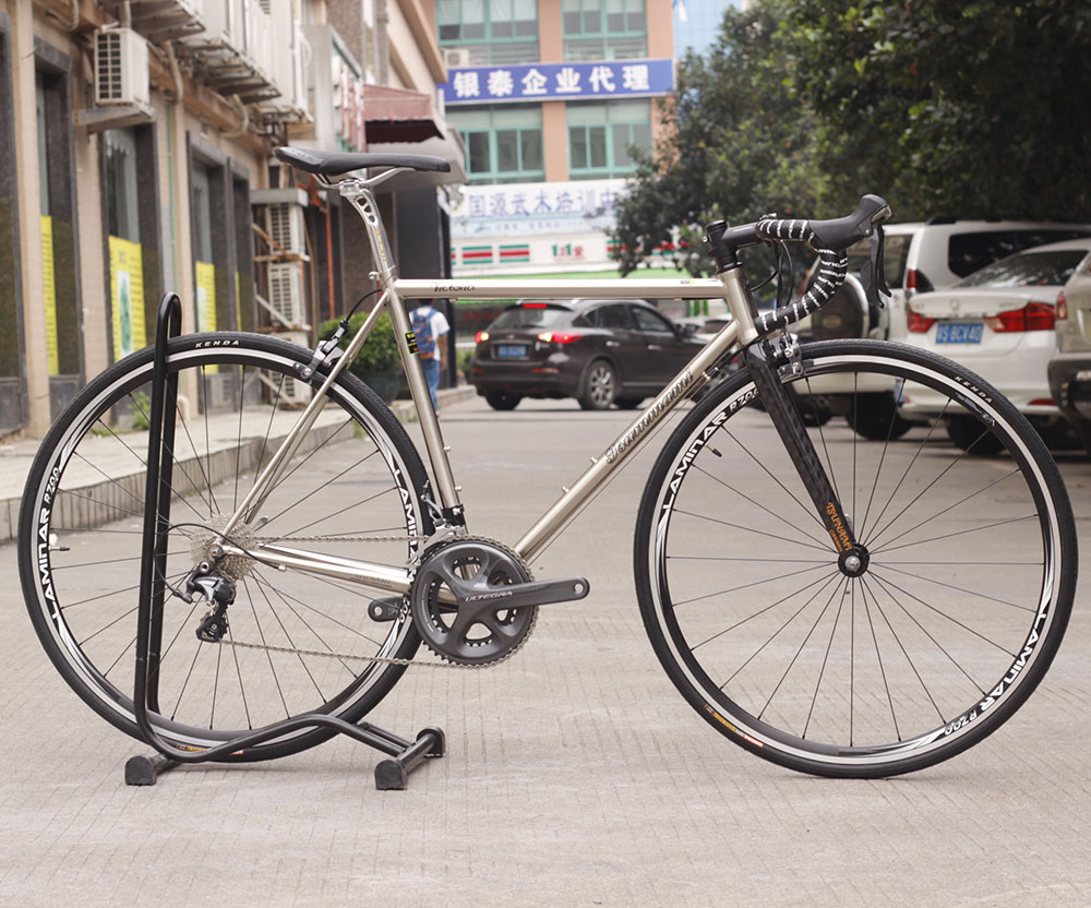 CR-MO Steel Carbon Fork Classic 700c Road Bike with Ultegra Group 6800 22 Speed 53cm TSUNAMI tsunami