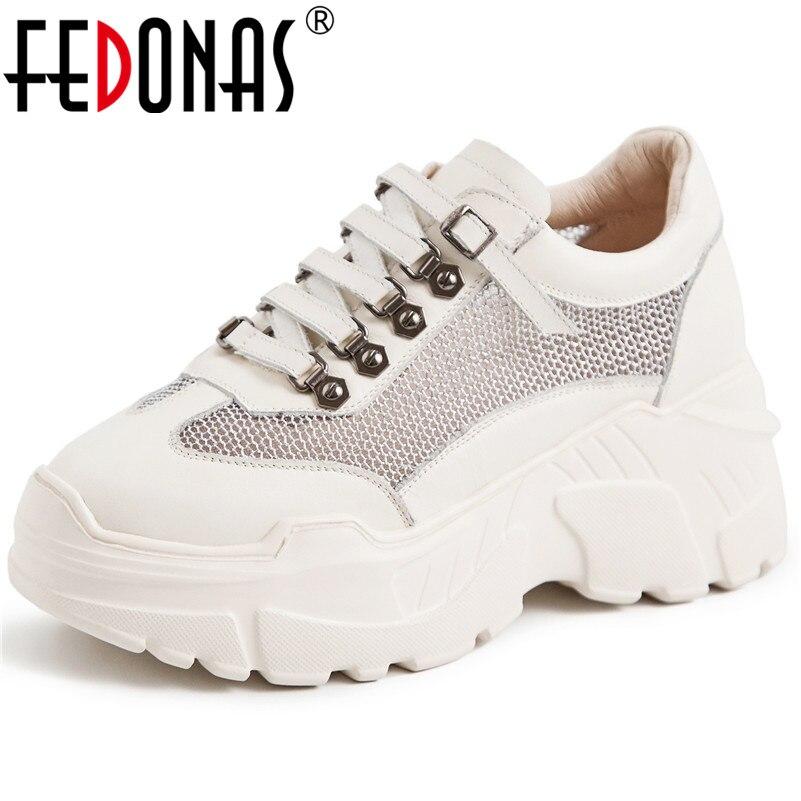 FEDONAS nowych kobiet płaskie buty ze skóry naturalnej platformy buty kobieta zasznurować nity buty w stylu casual damskie oddychające wiosna trampki w Damskie buty typu flats od Buty na  Grupa 1