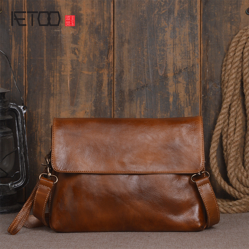 AETOO The new first layer of vegetable tanned leather men's shoulder bag hand Sassafras color ladies handbag package simple ipad aetoo first layer of leather korean version of the tide ladies oil wax leather handbag ladies shoulder messenger bag