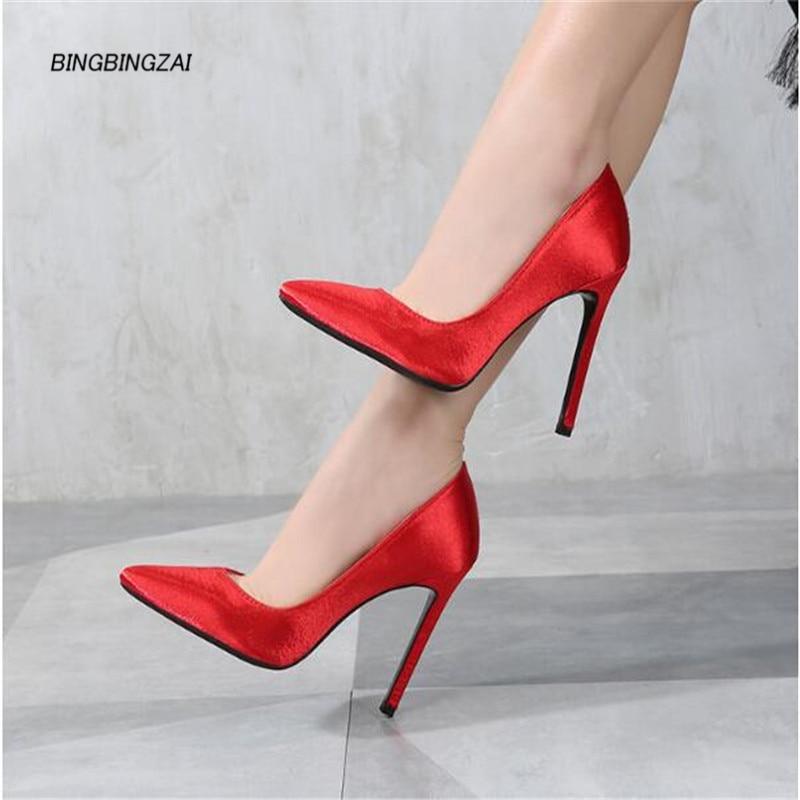 Dames chaussures 11 CM talons chaussures feminino concis court en peluche pompes de mariage Sexy en cuir aiguille hauteur augmentant 35-45 46