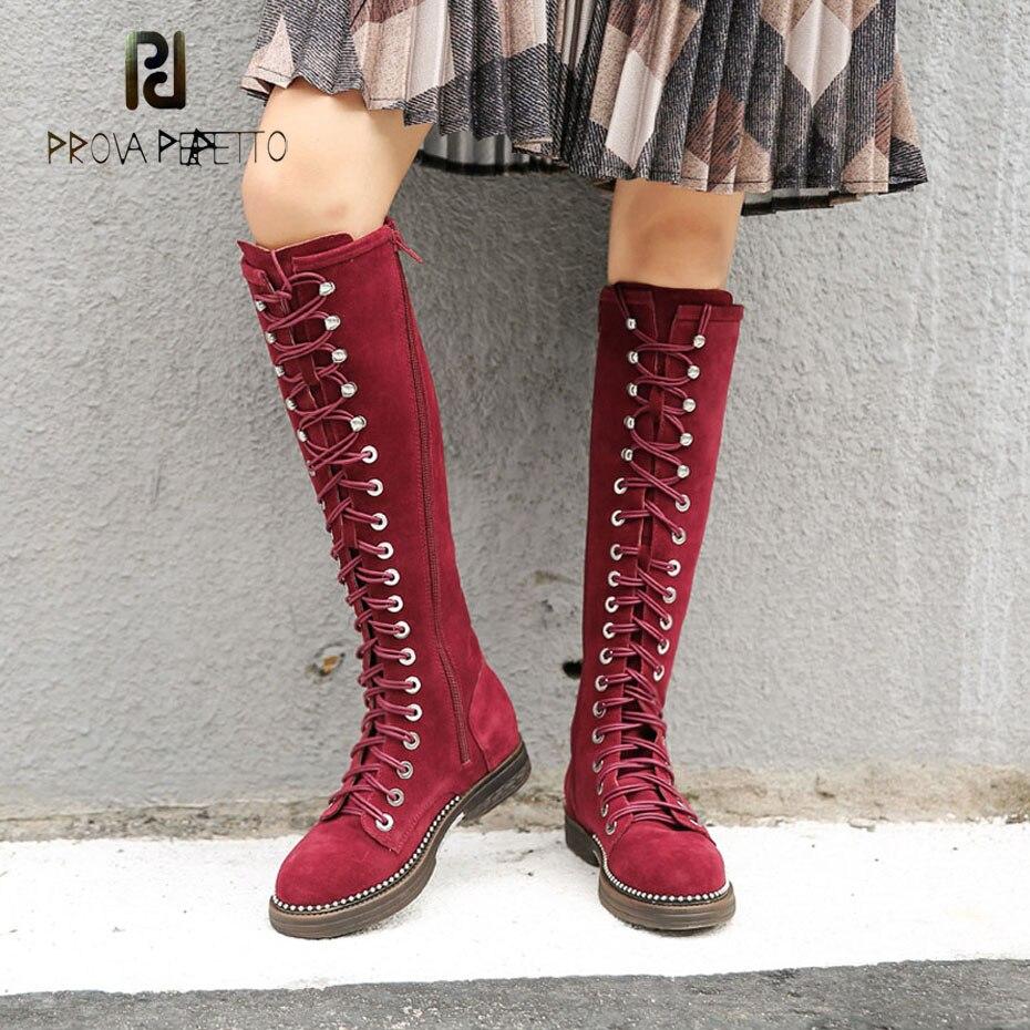 Prova Perfetto vin rouge vache daim femmes genou haut gladiateur bottes cross attaché bout rond en métal perle semelle dames moto bottes