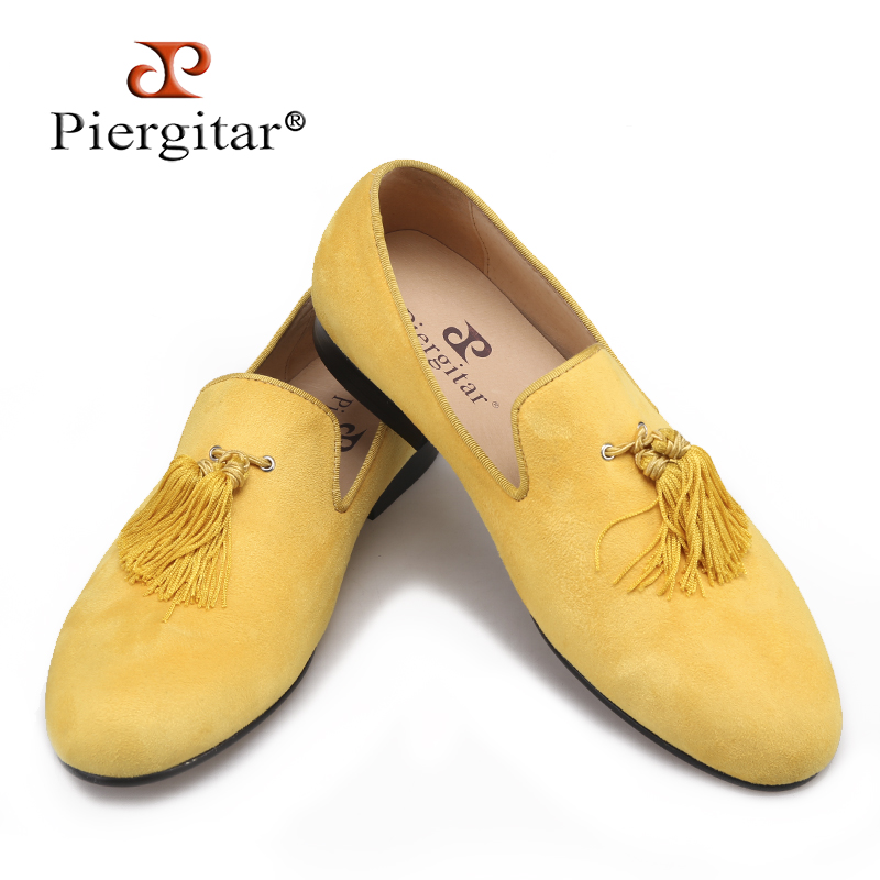 Piergitar new style handmade yellow color men velvet shoes with fashion tassels Party and Wedding men dress shoes male loafers piergitar 2017 two color leopard pattern men velvet shoes fashion party and wedding men dress shoe male plus size flats loafers