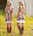 Alta qualidade frete grátis ocasional curto impressão vestido de verão bonito colorido Linhas se cruzam na altura do joelho-comprimento vestidos para as mulheres menina DWA21
