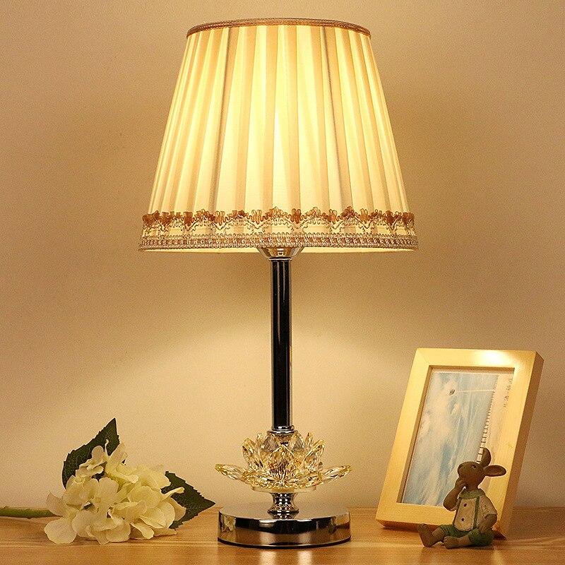 Işıklar ve Aydınlatma'ten Masa Lambaları'de Modern LED masa lambası başucu lambaları yatak odası oturma odası ev dekorasyon gece lambası kapalı kristal paslanmaz çelik title=