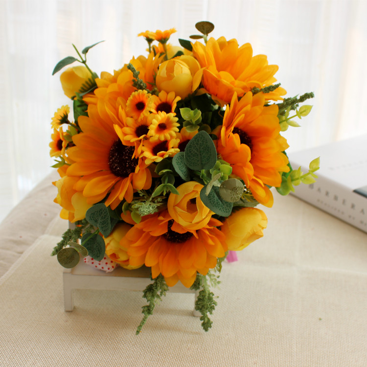 Купить с кэшбэком Yellow sunflowers Yellow Rose Buquet de noiva Bouquets For Bridesmaid Brooch Wedding Outside Wedding Artificial Wedding flowers