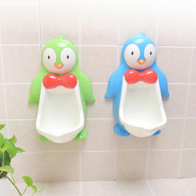 Tamanho grande Bonito do Pinguim Dos Desenhos Animados Em Forma de Segurança PP Material Penicos Bebê Meninos de Treinamento Potty Xixi Mictório Para Os Meninos Wall Mounted