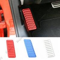 1 Unids Rojo/Plata/Azul De Aluminio de Aleación de Pedal Muerto Reposapiés Izquierdo Panel de protección Cubierta de Pegatinas Para Ford Mustang 2015 2016 Car Styling