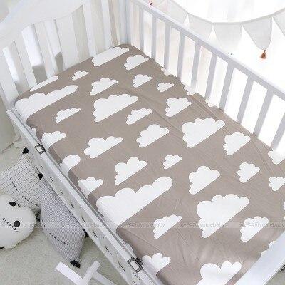 US $16.23  Schwarz weiß Dreieck punkte streifen bäume Matratze abdeckung  baby bett ausgestattet blatt für baby mädchen jungen krippe bett blatt-in  ...