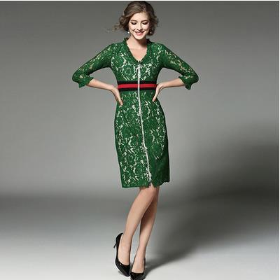 groene jurk met lange mouwen
