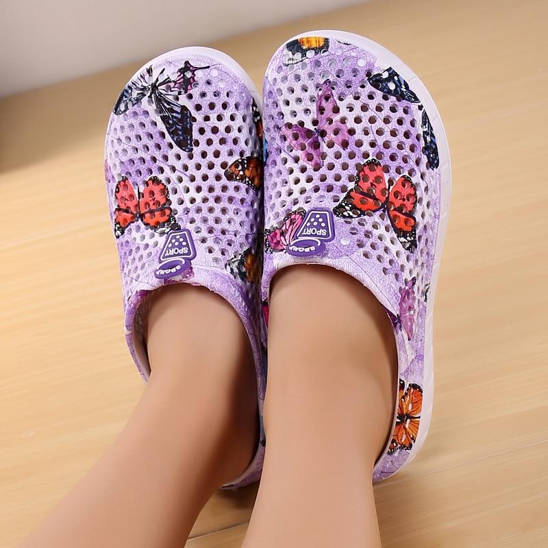 Summer Women's Beach Shoes Sandals Crocse Hole Shoes Outdoor  Sea Aqua Shoes Wading Sneaker Gardon Croc Hollow Quick Drying Shoe