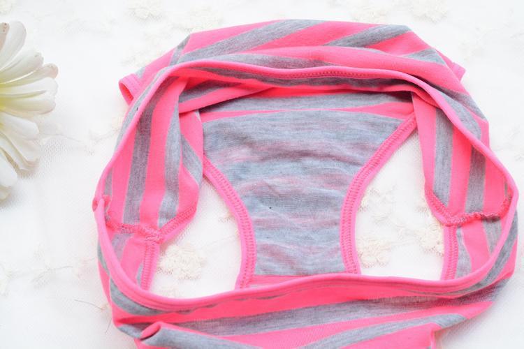Erksavärvilised triibulised aluspesu komplektid