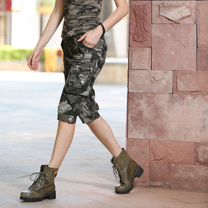 Image 3 - عالية الجودة موضة سراويل قصيرة مموهة نماذج Feminino بنطلونات Cortos Mujer الصيف النساء التمويه الركبة طول السراويل Gk 9388
