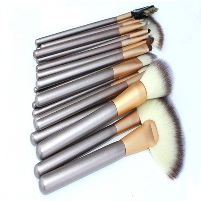 Maquillaje Cosméticos 24 unids Conjunto de Herramienta Profesional Pinceles de Maquillaje Para mujeres de La Belleza Desnuda Fundación Rubor En Polvo de Maquillaje Conjunto conjunto