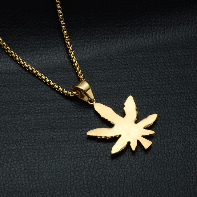 HIP Hop Bling Iced Out Crystal Cannabiss Maple Leaf Charm Necklaces Pendant Gold Filled Titanium Necklace for Men Sports Jewelry 4