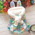 Novo casaco de Inverno meninas das crianças roupas de bebê jaqueta casaco de camuflagem com lenços mais grossa de veludo jaqueta acolchoada
