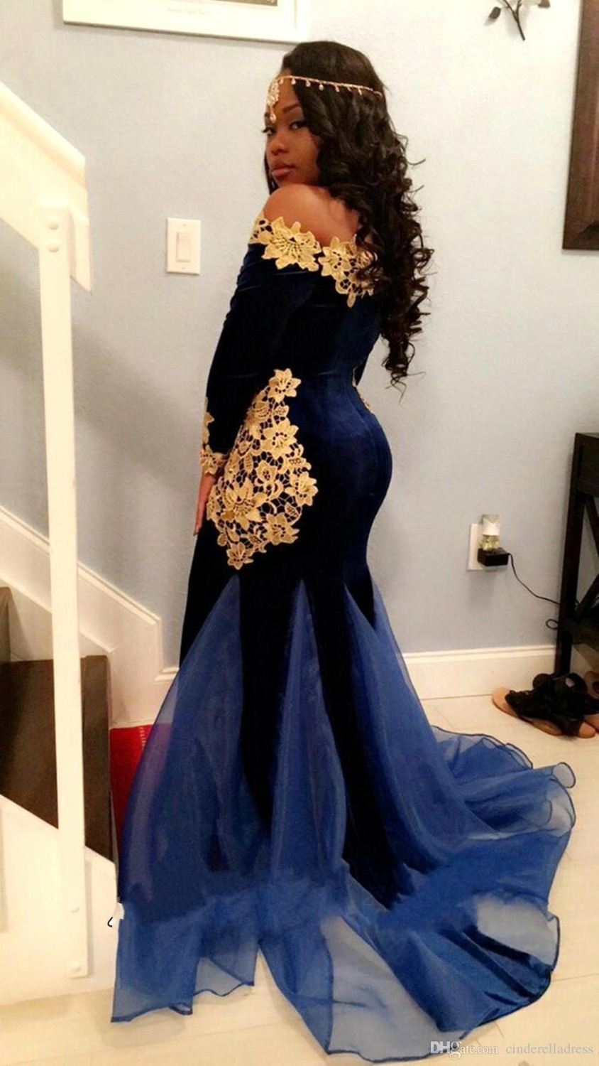 Sexy-Mermaid-Velvet-Prom-Dresses-Royal-Blue-with-Applique-Organza-Designer-Train-Long-Sleeve-Party-Dress (3)