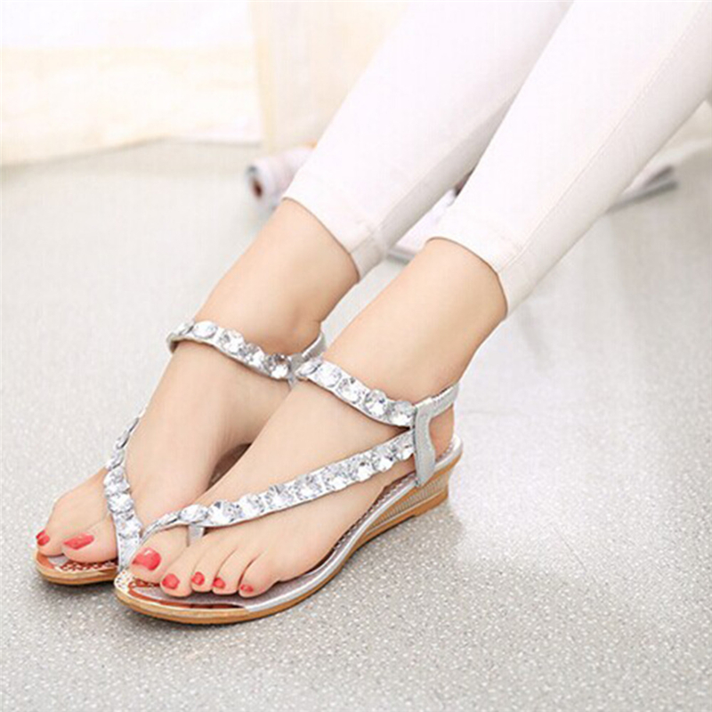 e2dcc3363483d 2019 Designer Summer Women Fashion tong with Rhinestone Clip Flat ...