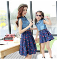 2015 del verano del estilo family look juego de madre e hija vestidos ropa madre e hija niñas vestido de mezclilla vestido de la ropa de la flor