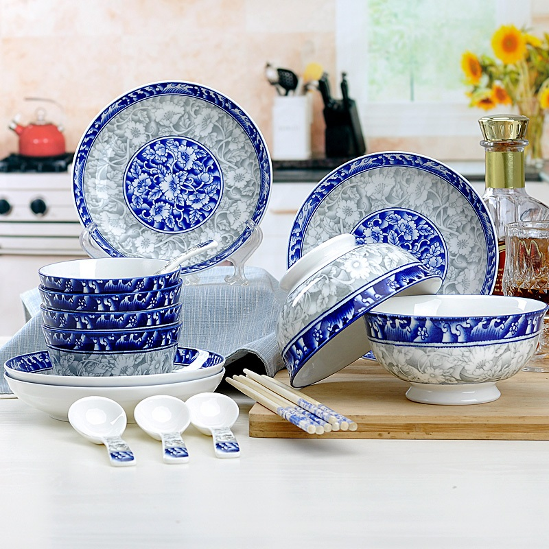 Guci Jingdezhen bone porcelain bowl 4 person 18 pieces bowl plate blue and white porcelain combination Chinese style tableware in Dinnerware Sets from Home Garden