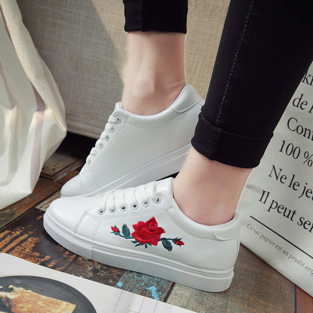 SAGUARO Fashion Embroidery Rose Moccasins Women White Casual Shoes Flat Walking Shoes Espadrilles Students Shoe Tufli Tenis 1