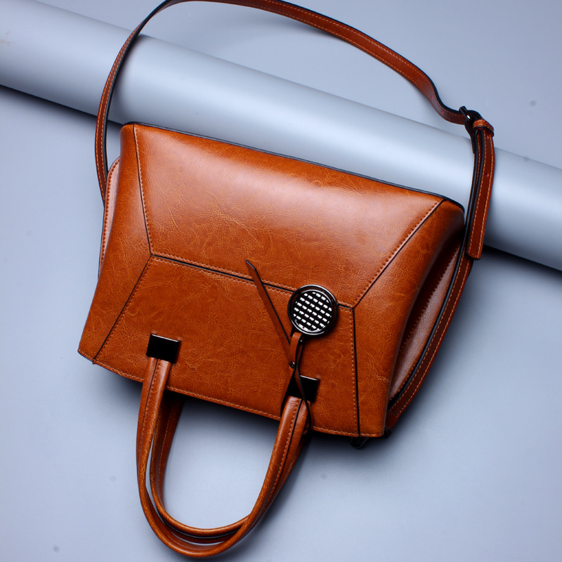 Brand 2017 Fashion Women Handbag Genuine Leather Women Bag Soft Oil Wax Leather Shoulder Bag Large Capacity Casual Tote new C364 safebet brand 2018 new fashion cool style real leather handbag wholesale oil wax leather slanting shoulder bag women s handbag