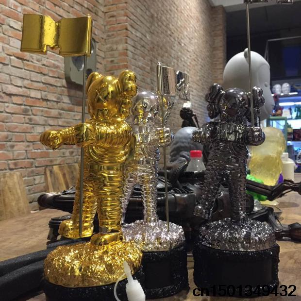 Gold MTV  Trophy Replica 1:1 Size Statue Moonman Prop HIGH QUALITY SILVER PLATED  1.1kg legeartis replica b129 9x19 5x120 et48 d74 1 sf