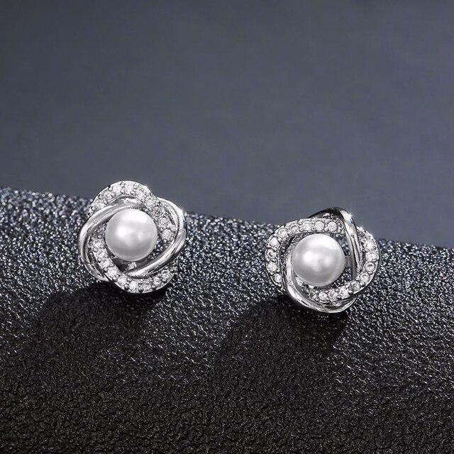 Utimtree New Hollow Flower Pearl Earrings Fashion Jewelry Silver Stud Earrings for Women Wedding Accessory Cubic Zircon Earring 1