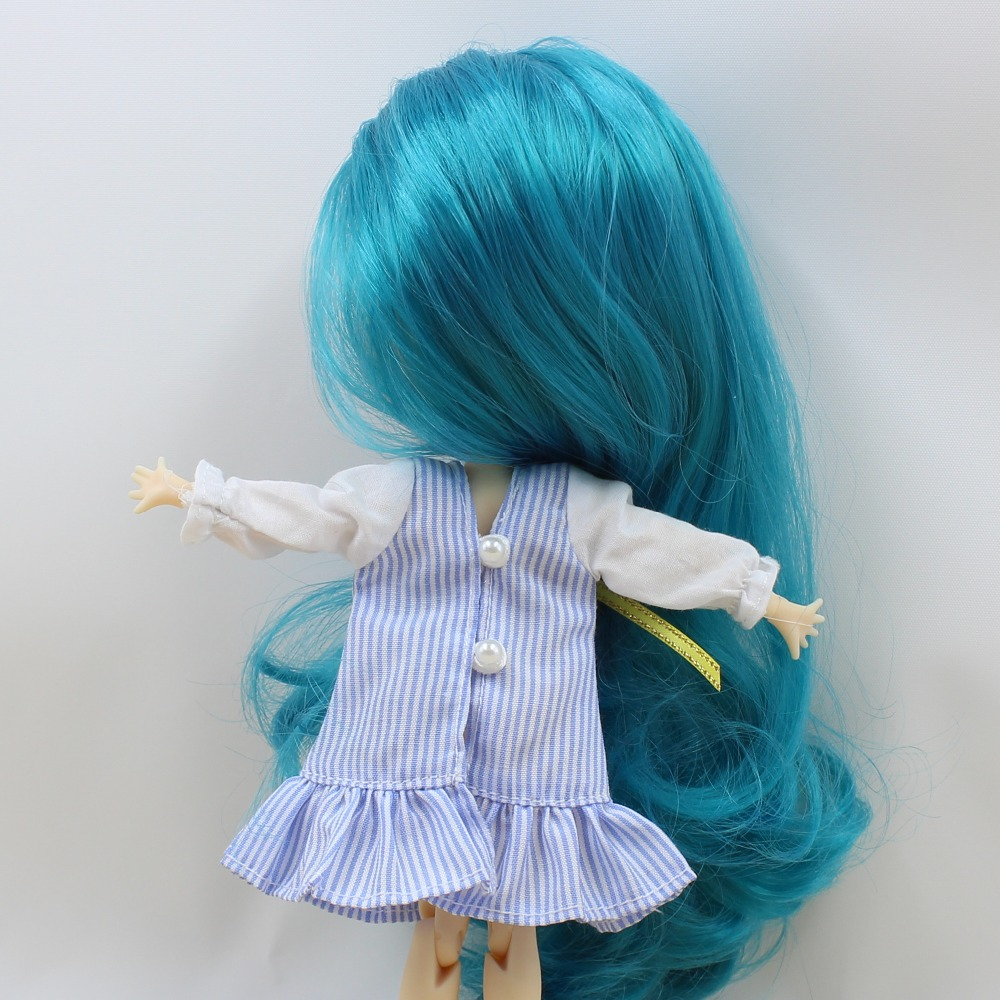 Middie Blythe Doll Blue Dress With Knot Bow Ribbon Stocking 3