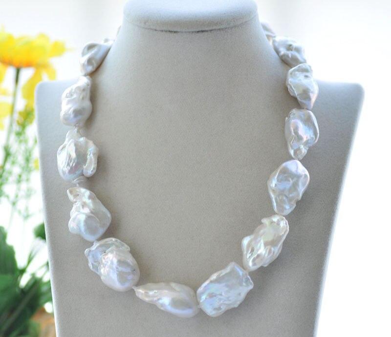Collier de perles Keshi baroques blanches de 18 34mmCollier de perles Keshi baroques blanches de 18 34mm