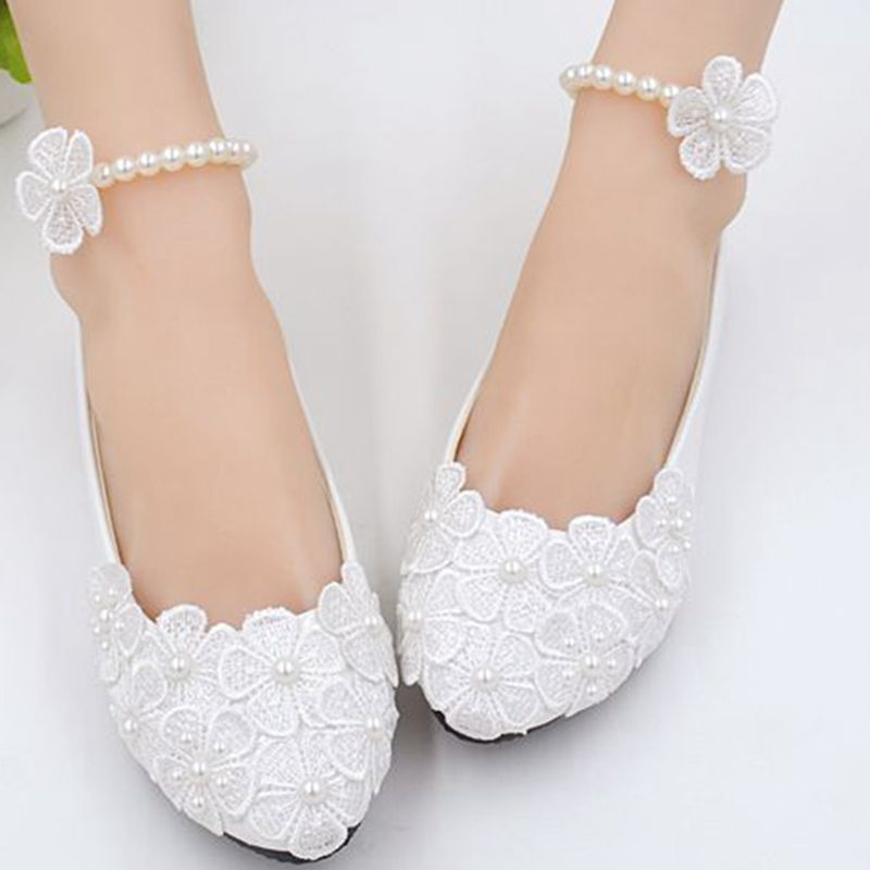 White lace flower wedding shoes woman flat heel round toe slip on spring autumn plus size 40 41 woman's wedding flats shoes 2018 spring autumn new lace flower wedding shoes slip on round toe bridal shoes high heel women pumps shallow pointed toe 8 5cm