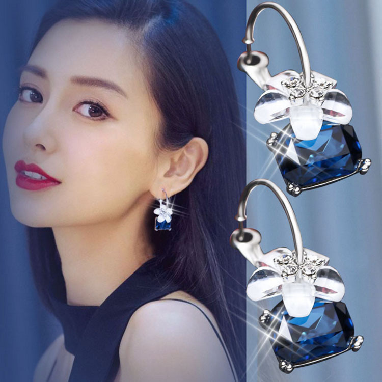 Punk Fashion New Earrings Exaggerated Atmosphere Trend Crystal Flower Lady Wholesale Sales Flower Earrings Earrings For Women