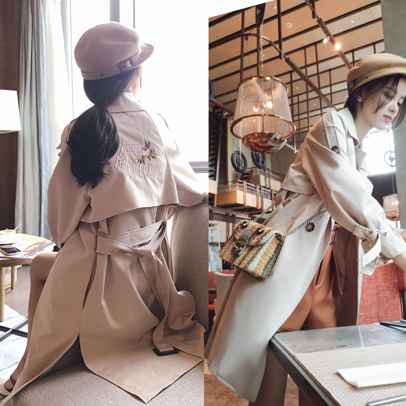 2019 New Korean Edition Embroidery Overcoat Receiving Waist Coat Women's clothes Spring and Autumn   trench   coat MX17C7311