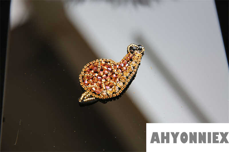 AHYONNIEX 1 ピースビーズスパンコールカブトムシカタツムリ昆虫生地パッチ手作りレースステッカー Diy の衣類付属品