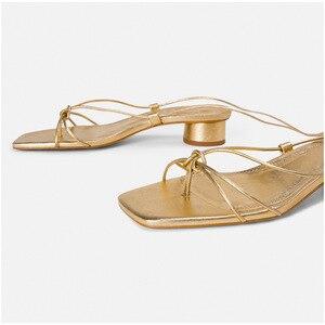Image 2 - صنادل نسائية بكعب منخفض من CuddlyIIPanda أحذية المصارع أحذية ذهبية بحزام الكاحل أحذية زفاف مثيرة نمط روما أحذية سانداليا نسائية