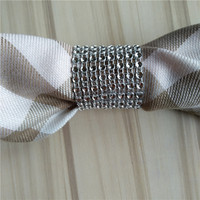 100Pcs/Lot Plastic Wrap Napkin Ring Buckle Hotel Wedding Supplies Home Party Decoration Tableware Tools Plastic Mesh Drill