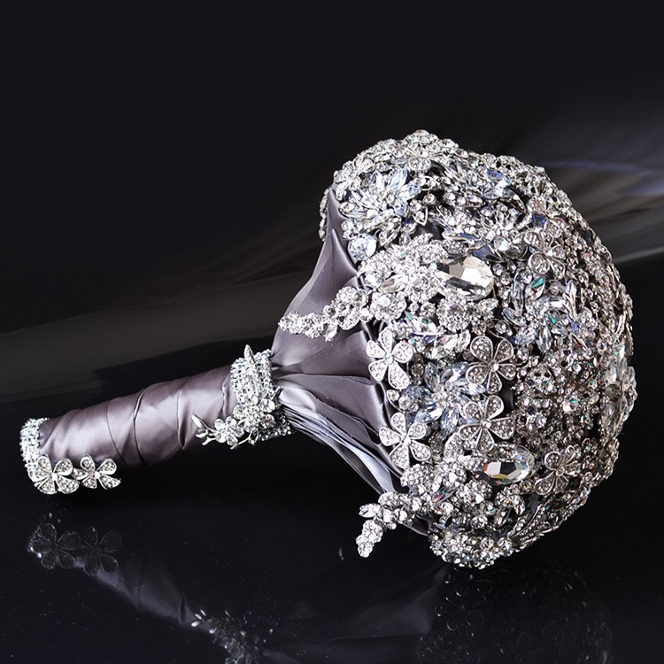 Beaded Wedding Brooch Bouquet Supplies Luxury Bridal Wedding Bouquet Pearls Artificial-Flowers Accessori Sposa 2