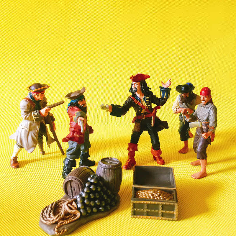 Limited edition~robber/bandit/pirate/doll house//miniatures/fairy garden gnome/moss terrarium decor/figurine/statue/table decor