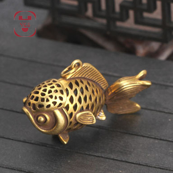 Brass Vintage Cute Hollow goldfish carp fish Swinging tail Statue Keychain Pendant Decoration Ornament Sculpture Home office 1