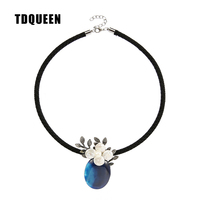 TDQUEEN Blue Stone Pendant Necklace Baroque Flower Collier Jewelry Antique Silver Plated Rope Chain Necklaces Pendants for Women