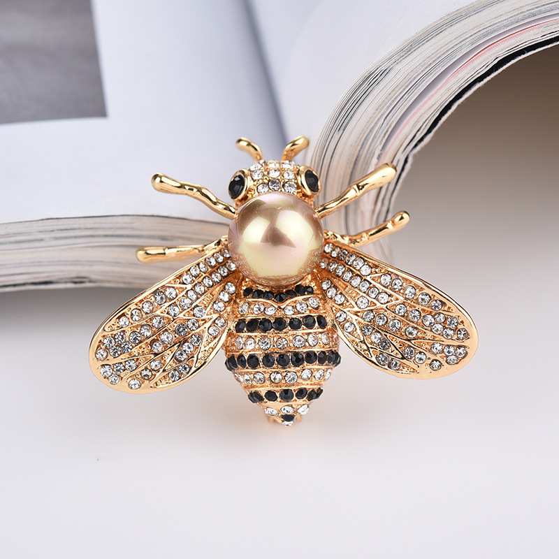1 PC Fashion new crystal bee brooch female accessories hot freshwater pearl hornet pin brooch needle superior badges for clothes in Badges from Home Garden