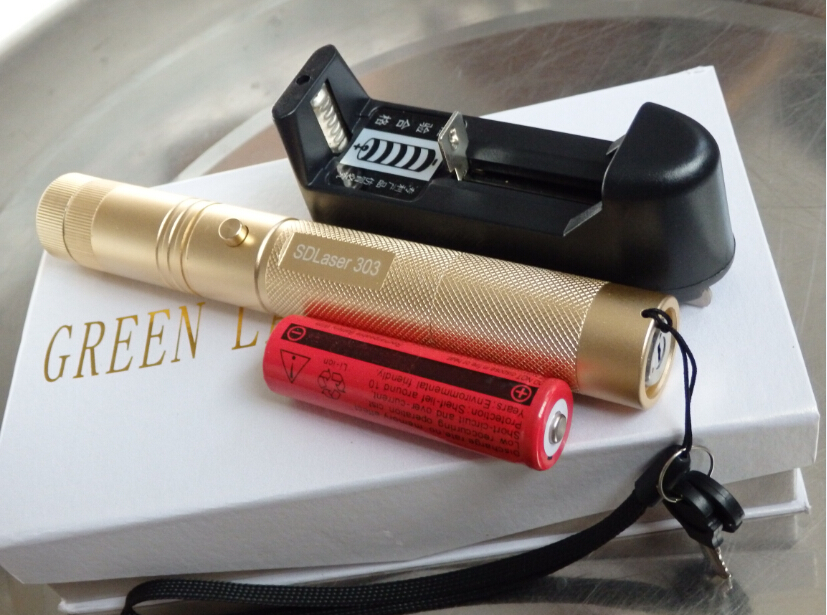 Super Powerful! military 50000m SOS flashlight green laser pointer 532nm burning match & Light burn Cigarettes+charger+gift box