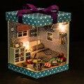Para o Presente Das Crianças DIY Brinquedos casa de Bonecas Em Miniatura De Madeira Feitos À Mão DIY Kit-Quarto do menino Bonito & Móveis/instrução inglês