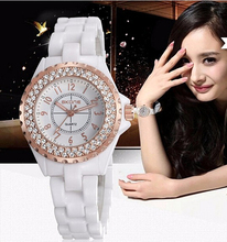 2016 women Watches women top famous Brand Luxury Casual Quartz Watch female Ladies watches Women Wristwatches relogio feminino