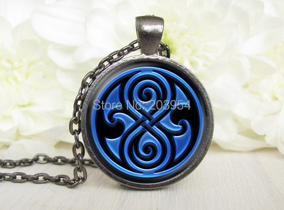 Steampunk handmade movie doctor who blue Dr who Necklace 1pcs/lot bronze or silver Glass Pendant jewelry gift women chain men