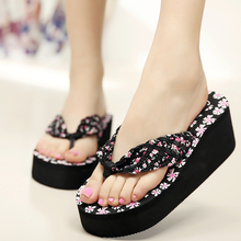 купить 2015 Summer bohemia flower flip flops platform wedges for women sandals platform flip slippers beach shoes free shipping  saj03 по цене 1159.34 рублей