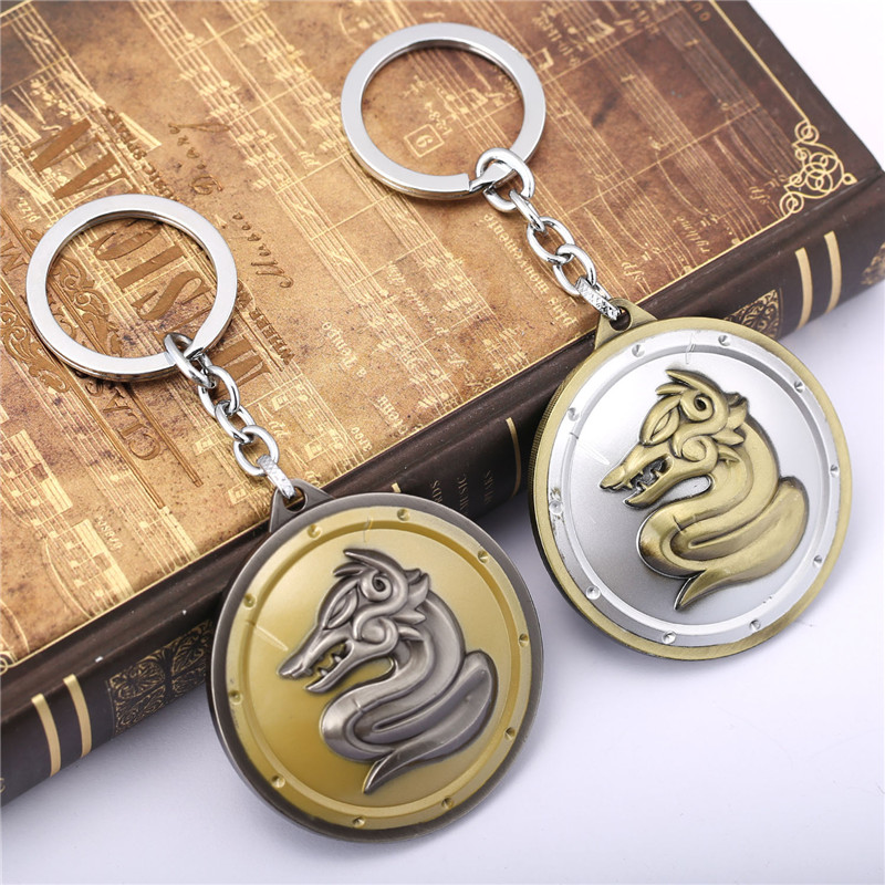 ORNAPEADIA Game peripheral products LOL keychain War King Penson Warrior Shield Keychain hot Game souvenir gift wholesale