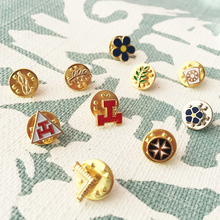 10pc Small Size Cute Masonic Lapel Pins Freemason York Rite Maltese Cross Acacia Akasha Pin Rope Knot Badge Mark Keystone Brooch