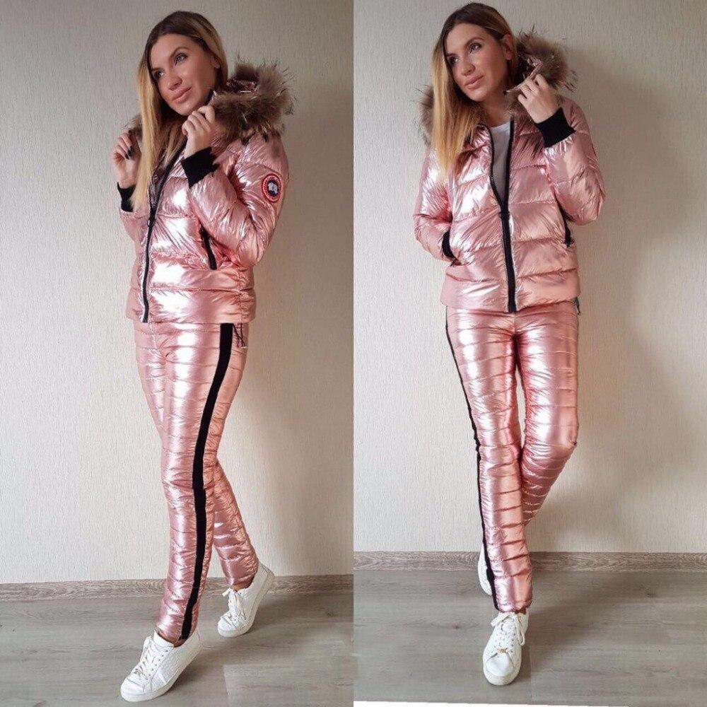 Chaud Vers Le Bas Coton En Cuir Brillant Femmes combinaison de Ski Hiver Épaisse Grand col de fourrure veste à capuche En Plein Air Mince Pantalon 2 Pièces Costume