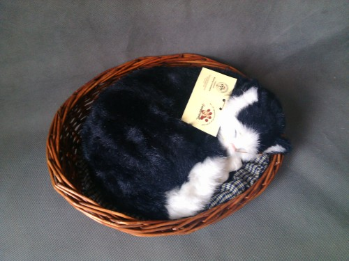 simulation black sleeping cat,30x24cm breathing cat model with basket,polyethylene&furs toy,prop.home decoration Xmas gift w4198 large 21x27 cm simulation sleeping cat model toy lifelike prone cat model home decoration gift t173